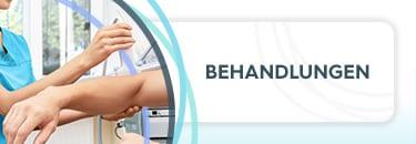 """Krankenschwester hält den rechten Ellenbogen eines Patienten, daneben die Aufschrift """"Behandlungen"""""""
