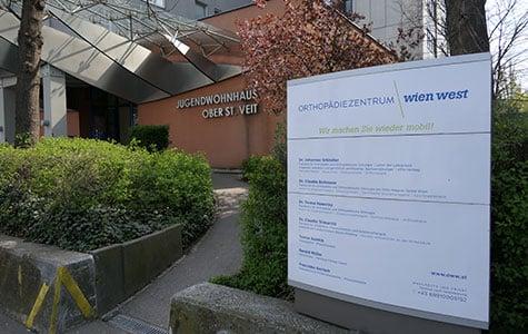 Außenaufnahme der Wiener Privatklinik Orthopädiezentrum Wien West von Dr. Johannes Gründler