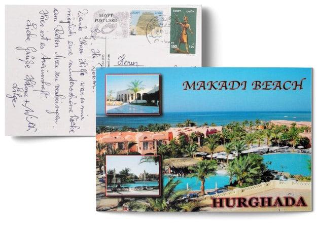 Testimonial über die erfolgreiche Behandlung durch Dr. Johannes Gründler - Postkarte mit einem Bild vom Makada Beach in Hurghada