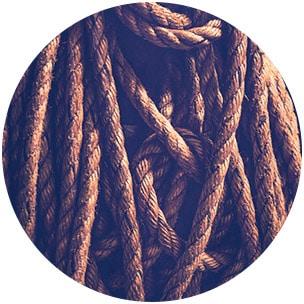 Sinnbild für Knorpelfasern - Viele Stricke hängen herunter -